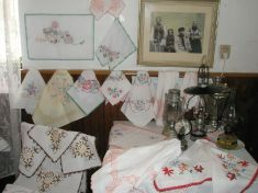 Klub dôchodcov - výstava ručných   prác 2008
